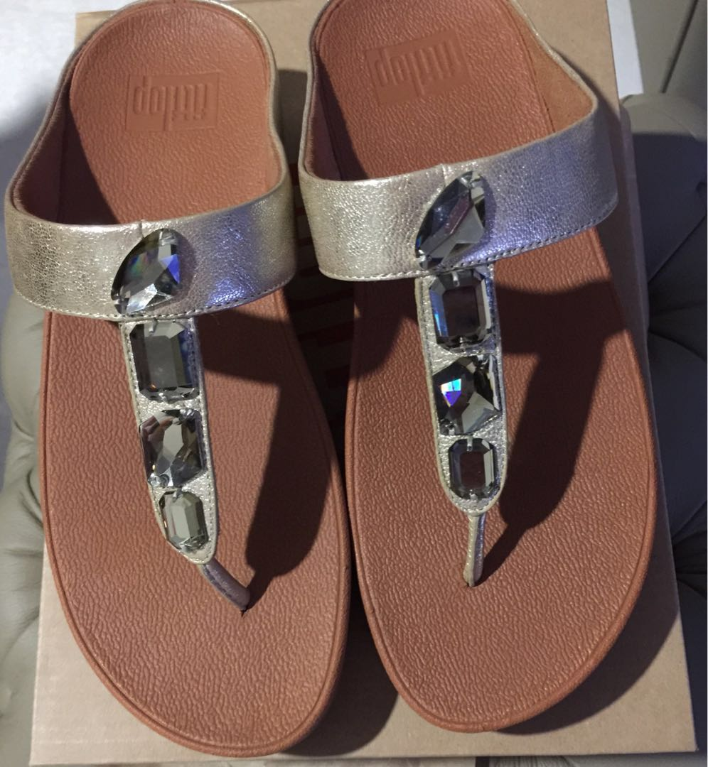 9f57095bf14838 Fitflop - New Gold Roka Toe-Thong Sandals-Leather