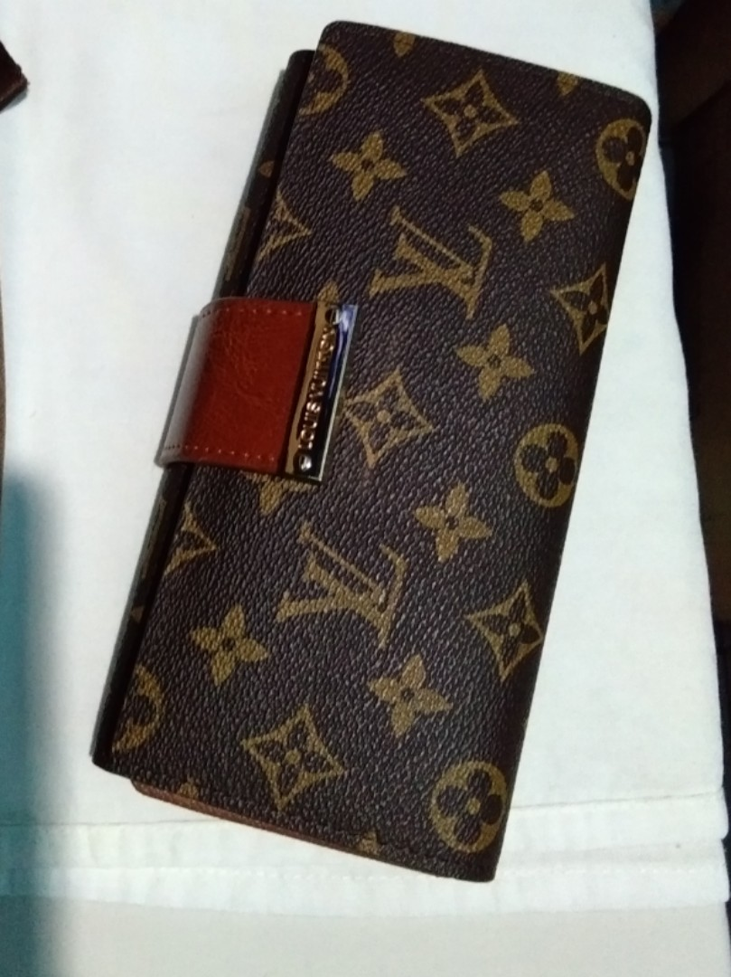 b79702c9f4a1 Louis Vuitton Monogram Trifold Wallet