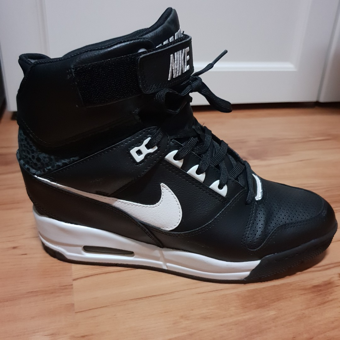 3c934ea17fc1 Nike Air Revolution Sky Hi women s size US 10.5 (Black)