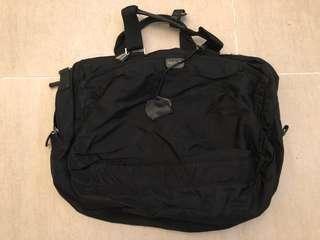 🈹️ Agnes b 經濟典旅行袋
