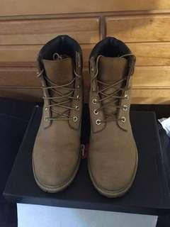 Timberlands - 6 inch - size 9 womens/7 men's