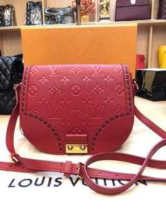 💥GOOD DEAL💥Louis Vuitton Red Junot