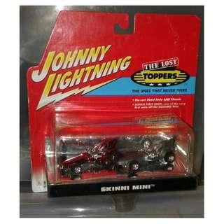 絕版 2001年 Johnny Lightning Limited Edition 1 of 2000 First Shot The Lost Toppers Pair Of 1972 Skinni Mini 合金車1盒