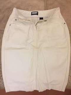 🚚 DKNY白色裙子