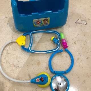 Mainan dokter2an