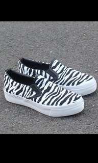 斑馬👈👉厚底增高鞋👟