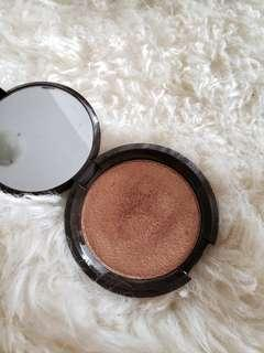 Becca Highlighter in Chocolate Geode