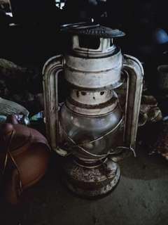 🚚 古董油燈