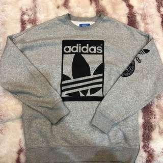 🚚 Adidas 長袖上衣 L