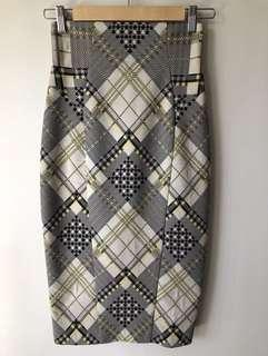 Cue Pencil Skirt Size 6 New Condition