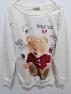 Sweater Beruang