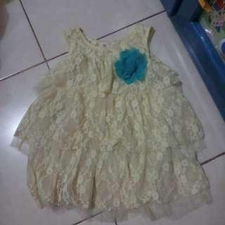 dress anak usia 1-2tahun. bahan brukat halus.