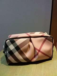 d81f70c54a1e 🔥 100🔥Burberry Cosmetic Pouch