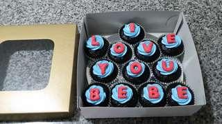 Personalized Box-of-12 Cupcakes