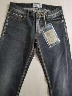 100%全新牛仔褲 M size