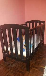 Preloved Quality 4 in 1 Baby Crib(Solid Wood)
