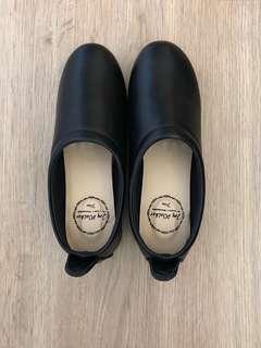 🚚 (日本購回)全新Joy Walker Plus黑色休閒鞋