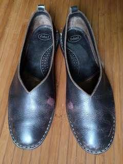 Scholl leather shoes