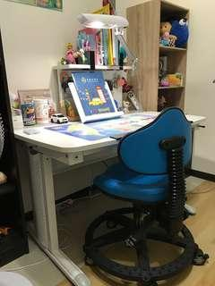 巧迪G2手搖升降書桌 | 手搖成長書桌 | 手搖兒童書桌