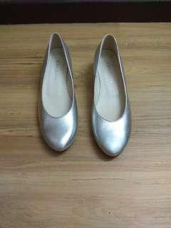 Silver Low Heels Shoes