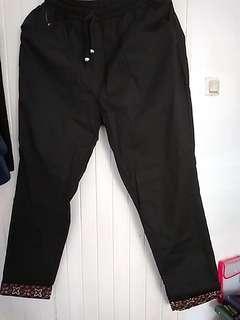 Pants katun hitam