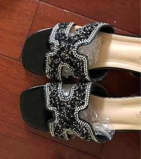 Elegant crystal and leather sliders