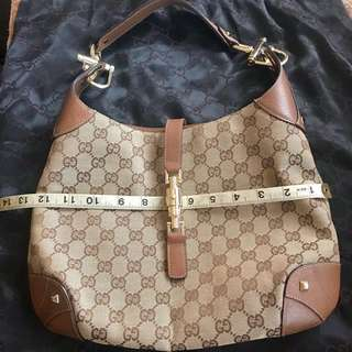 8a3585cde PreOwned Authentic Gucci Jackie O With Piston Lock Brown Monogram Hobo Bag
