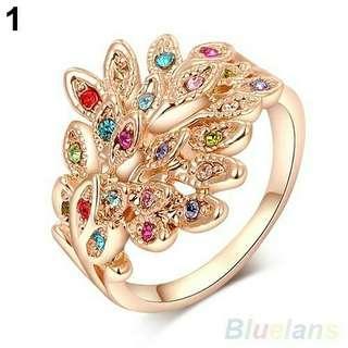 💎女士鍍9K金彩色奧地利水鑽孔雀戒指』 💰:450元                🚙:60元