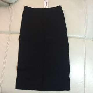 Fitted Black Pencil Skirt