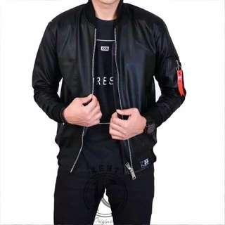 Jaket black