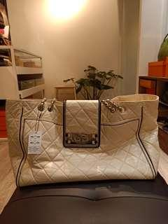 Chanel oversized tote white #12