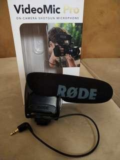 Camera Shotgun Microphone - Rode VideoMic Pro