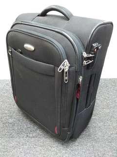 🚚 Hardly use Samsonite 20in Black Carry-on luggage