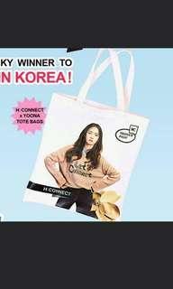 🚚 BNIB Yoona TOTE bag
