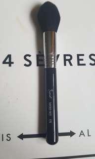 Sigma F25 Tapered Face Brush