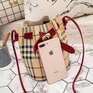 [ READY STOCK ]  SIMPLE CROSSLINE BUCKET BAG
