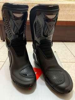 Dainese 黑色外靴
