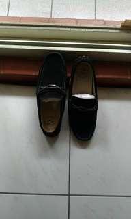 🚚 品牌休閒鞋(麂皮)
