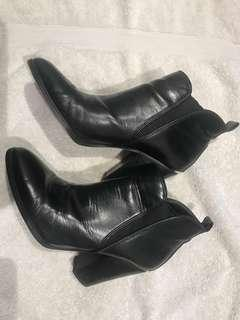 MIchael Kors Leather boots - size 8 1/2