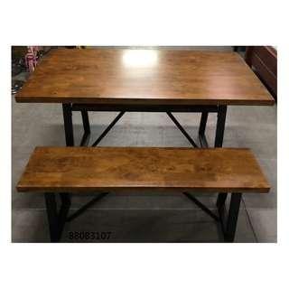 【弘旺二手家具生活館】零碼/庫存 木紋餐桌+兩張板凳 胡桃餐桌椅組 工業風餐桌 餐椅-各式新舊/二手家具 生活家電買賣