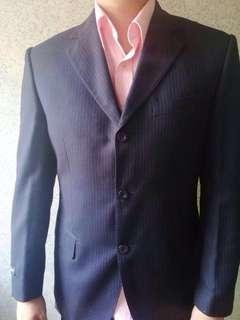 (FOR RENT)Van Huesen mens formal suit