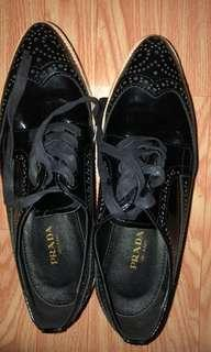 Authentic Prada shoes 95% new(No box)