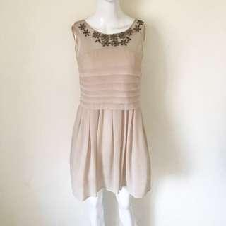 Dress Chic Simple Nude