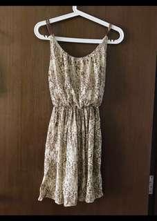 🛍 Retro Cream and Brown Prints Elastic Dress