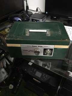 Peti cash box lama