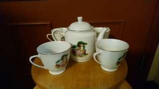 懹舊壽星公茶壺+杯4隻
