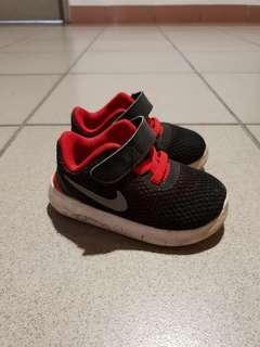 Boys shoes (US 5C)