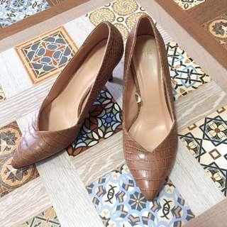The Executive Brown Heels (37)