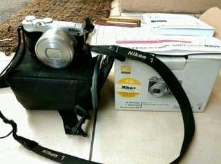 Nicon 1 j5 kit 10-30mm silver