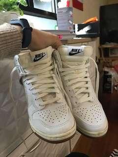 Nike 高跟鞋 內增高 少著 白